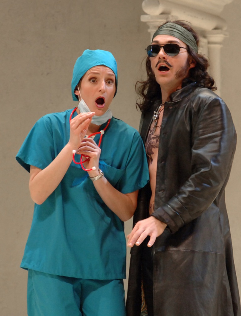 Kimberly Barber (Despina), Christopher Maltman (Guglielmo), Cosi fan tutte, Seattle Opera, 2006. Photo by Rozarii Lynch.