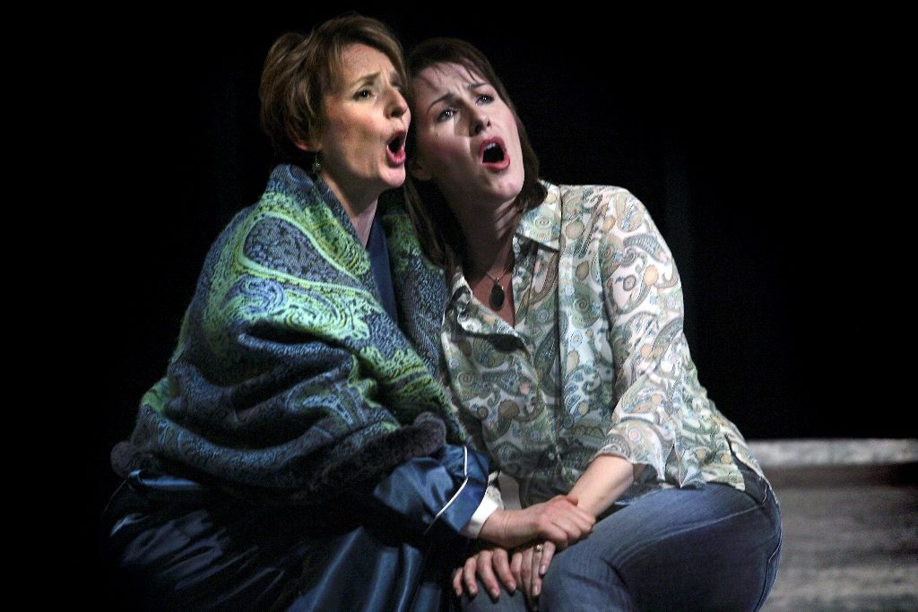 Kimberly Barber (Jessica), Laura Whalen (Anna), Frobisher, Calgary Opera 2007. Photo by Trudie Lee.